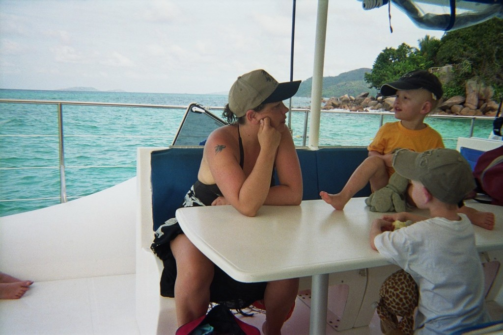 villador-cata-famille-seychelles-2007