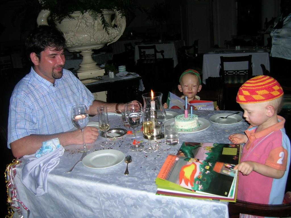 villador-diner-anniv-casinopraslin-seychelles-2007