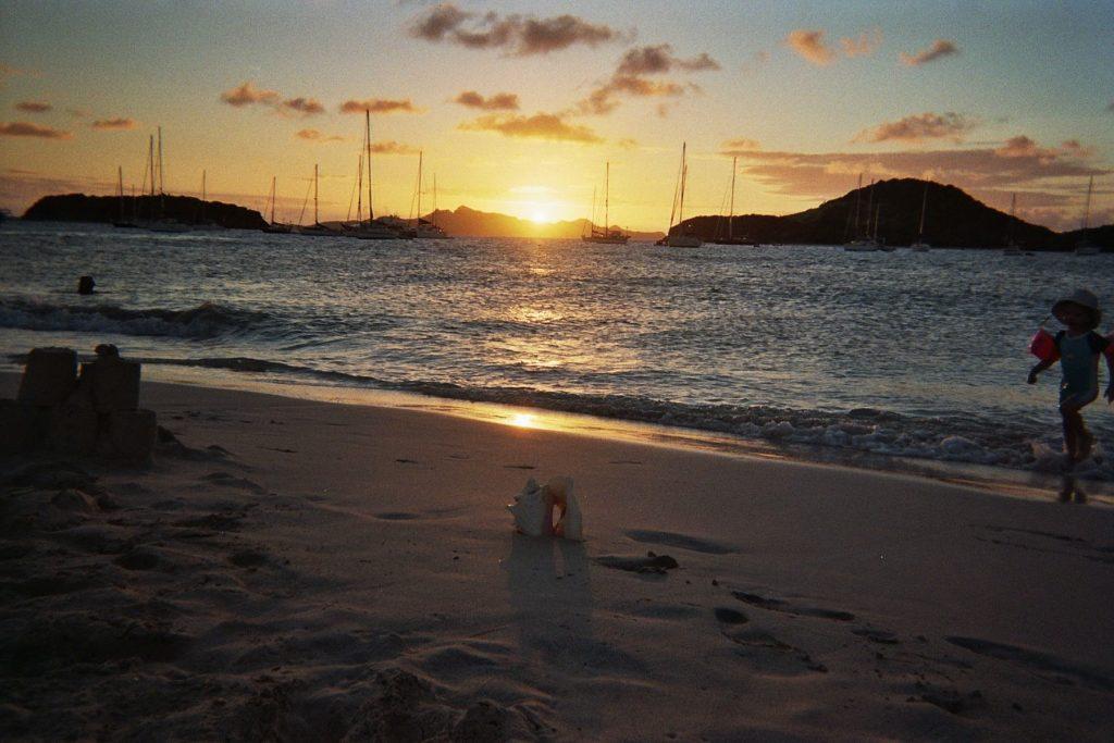 caraibes-janv2008-bequia-couche-soleil
