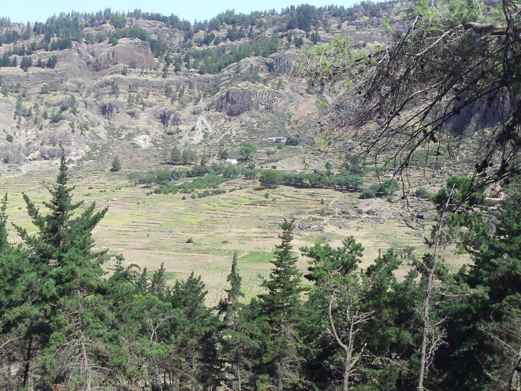 Bateau-cap-vert-juin2009-cratere-santa-antao