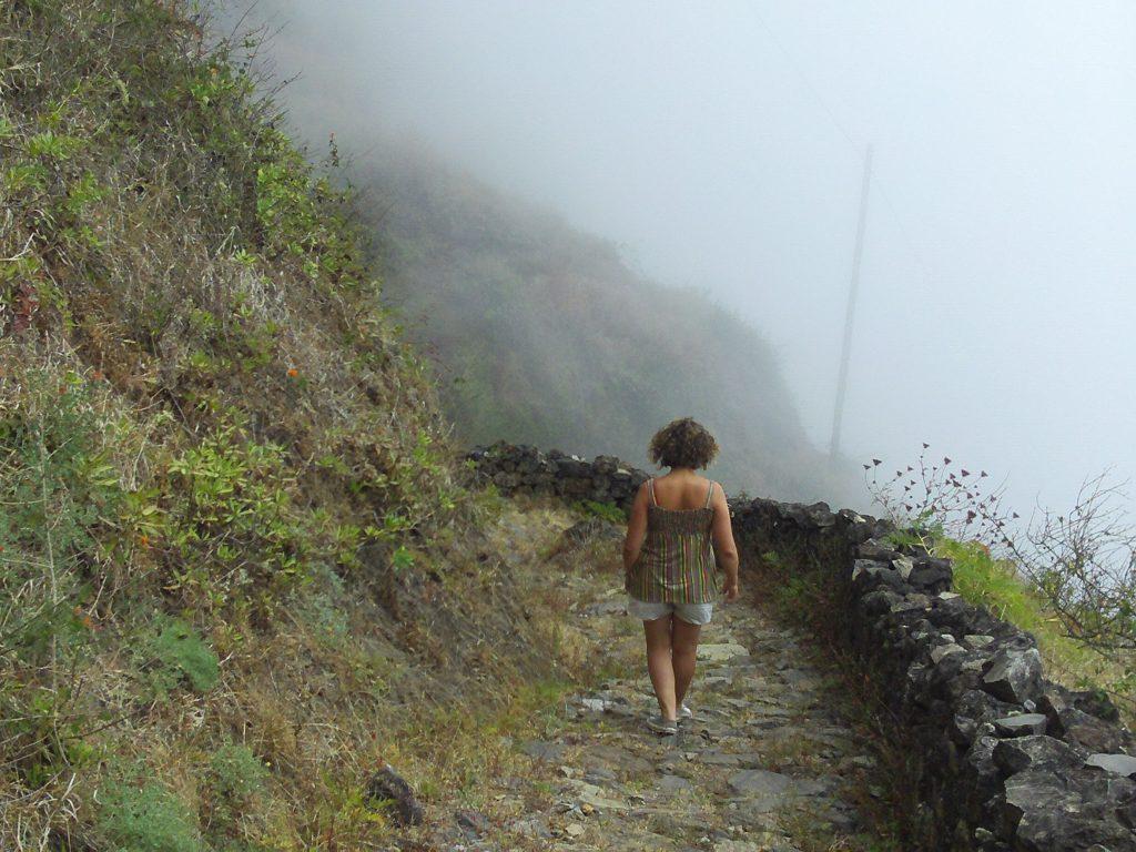 Bateau-cap-vert-juin2009-retour-nuage-santo-antao