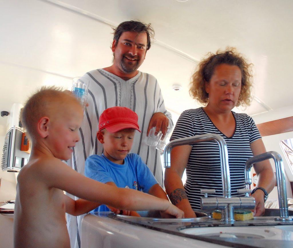 corse-ete2012-vaisselle-en-cata