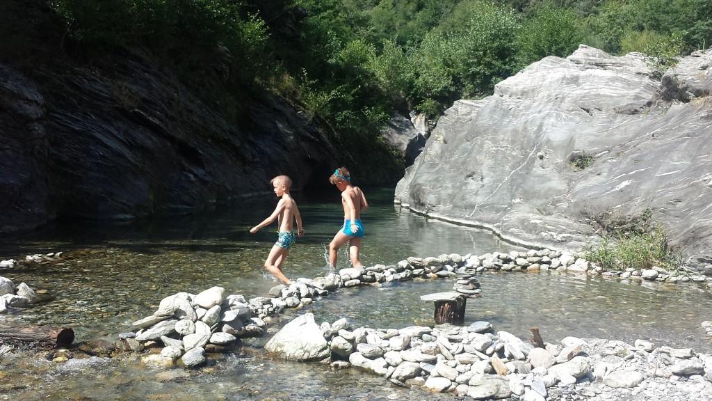 bivouac-nature-coin-baignade-gardons