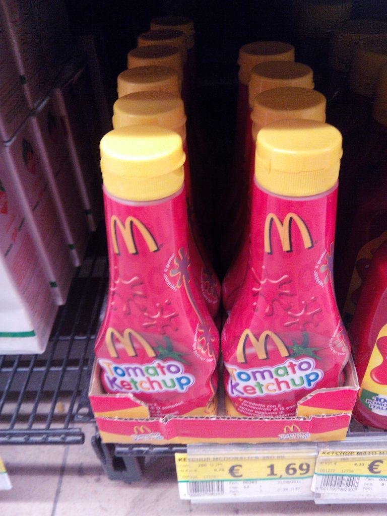 2-rome-shopping-mcdo-ketchup