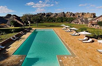isalo-piscine-jardin-du-roy