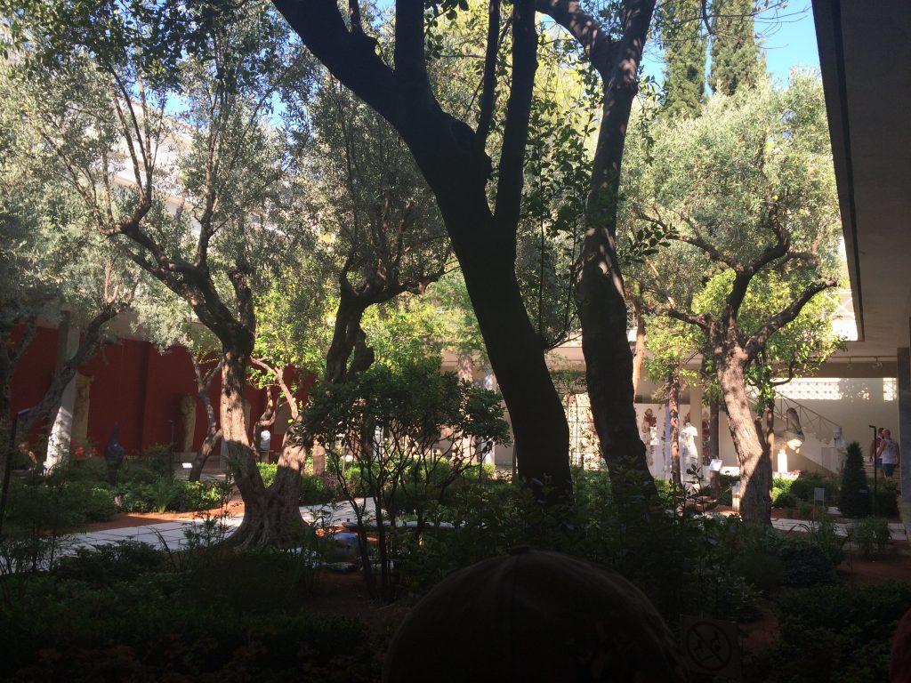grece-ete-2016-jardin-musee-archeo-athenes