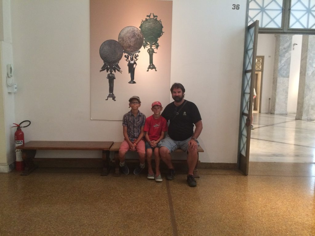 grece-ete-2016-musee-athenes-family