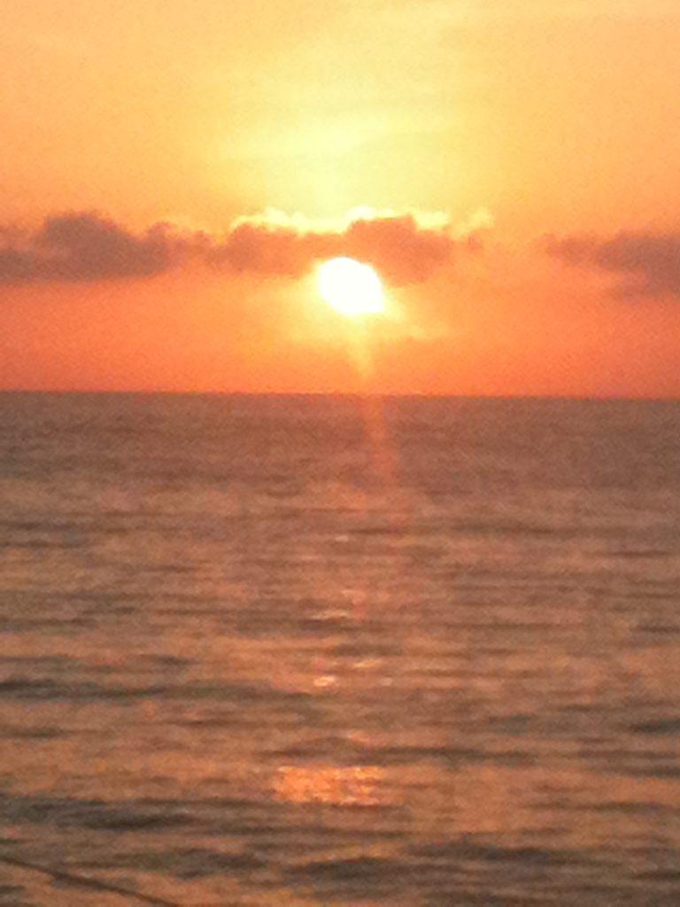 corse-en-catamaran-ete2012-couche-soleil-ile-rousse