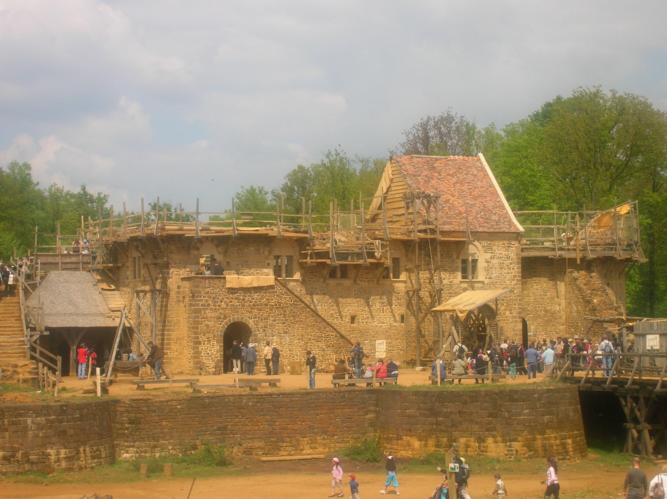 Visite du chantier Ch¢teau fort de Guédelon au fil des ans – Ma