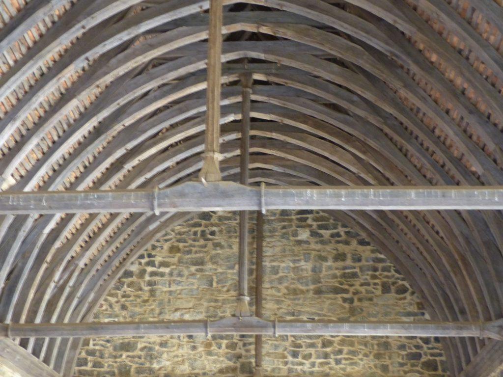 avril17-plafond-salle-commune-Aula-guedelon-MFV